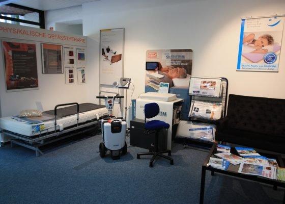 SANTEC Ausstellungsraum in Wetzlar mit mehreren Produkten