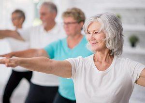 Senioren beim Pilates